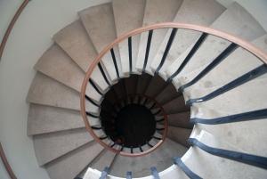 מדרגות בדירה